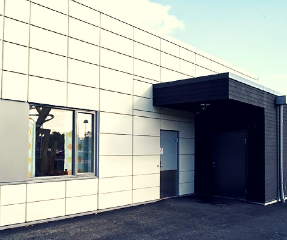 panelno-reechnuy-fasad панельно реечный фасад -  D1 87 D0 B5 D1 80 D0 BD D0 BE  D0 B1 D0 B5 D0 BB D1 8B D0 B9  D1 84 D0 B0 D1 81 D0 B0 D0 B4 - Панельно реечный фасад