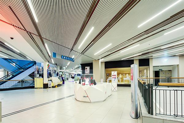 potolok-v-trc подвесной потолок в трц - 12 1 - Подвесные потолки в торгово-развлекательном центре