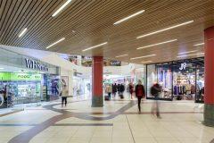 подвесной потолок в трц - 17 240x160 - Подвесные потолки в торгово-развлекательном центре
