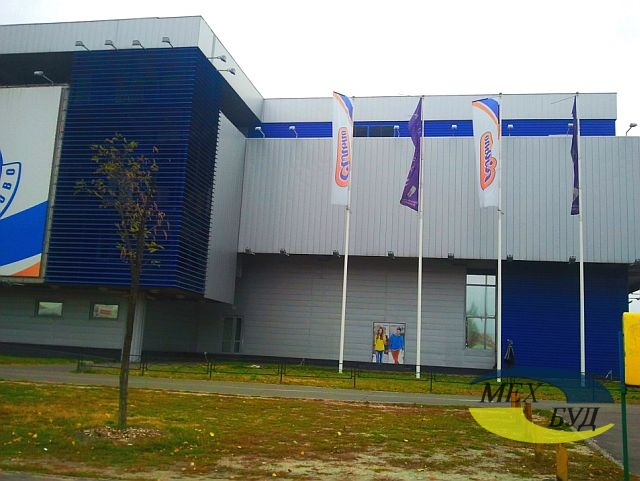 facade_shopping_centre_silpo