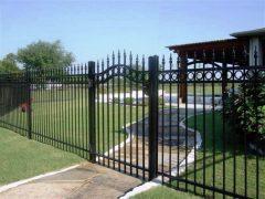 как установить забор - 22 240x180 - Как установить забор