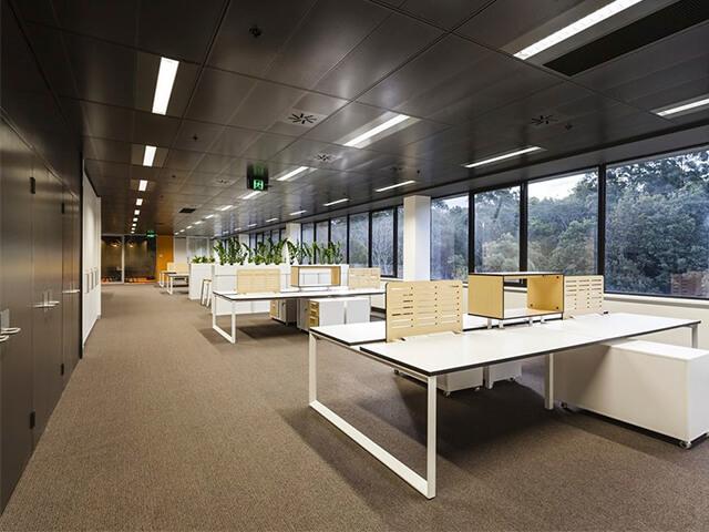 potolok-v-ofise-krasivye-foto потолок в офисе - 9 2 - 20 красивых решений отделки потолка для офиса