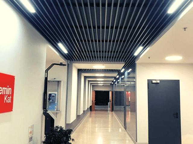 kyboobraznuy-potolok потолок -  D0 B0 D0 BB D1 8E D0 BC3 1 - Кубообразный потолок: стальной VS алюминиевый