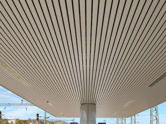 потолок -  D0 B0 D0 BB D1 8E D0 BC4 1 - Кубообразный потолок: стальной VS алюминиевый
