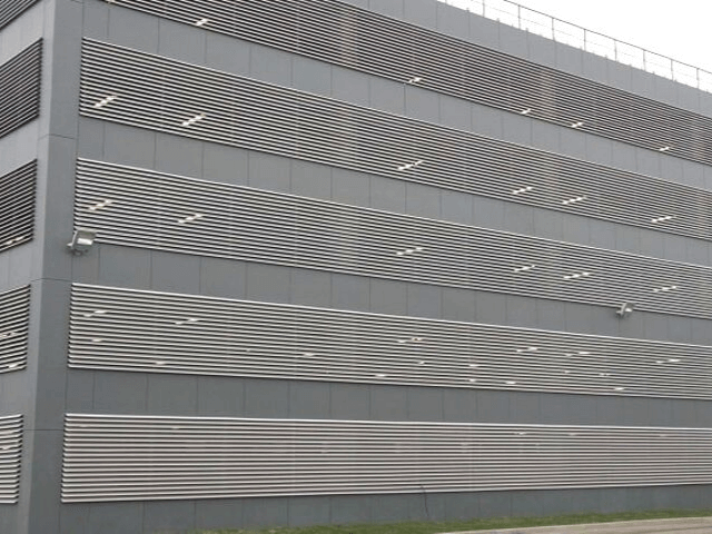 fasad parkinga